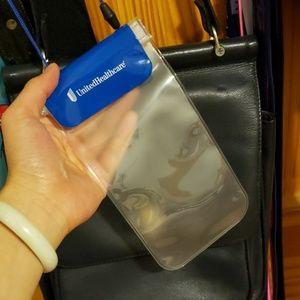 UHC WATERPROOF PHONE BAG
